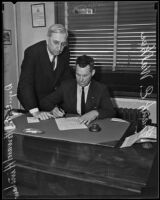 Deputy District Attorney Howard Hinshaw and Frank E. Walker, Los Angeles, 1935