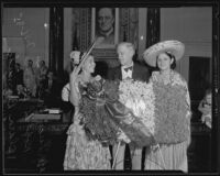 Councilman Robert Burns greets citizens Lucy Vasquez and Clara Bermudez, Los Angeles, 1935