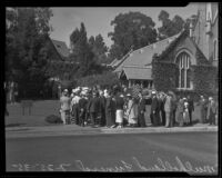 Throngs of mourners attend William Mulholland's funeral services at Forest Lawn, Glendale, 1935