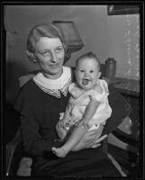 Florence Suddarth holding her baby Royale Regina Leonard, Los Angeles, 1935