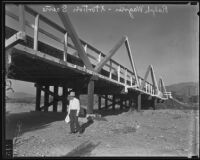 Dr. Ralph Wagner leaving money by bridge B428 as instructed by extortionists, Santa Clarita, 1935