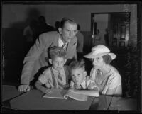 Otis T. Shields, wife Violet, and sons Tommy and Jackie, during murder trial, 1935