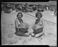 Jane Brown and Tanner Marilyn on the beach, 1935