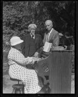 Caroline Sherer, Robert N. Taylor, and Mrs. John R. White at the Sherer farm, Glendale, 1935