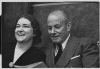 Ray Splivalo supports his wife Rheba Crawford in a defamation lawsuit, Los Angeles, 1935