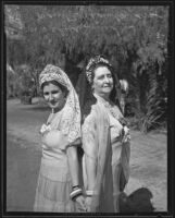 Mrs. Elsie Amidon and Mrs. Juanita Chamberlain the day before the Mexico Independence celebration, 1935