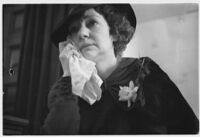 Hazel Glab cries during her testimony, Los Angeles, 1936