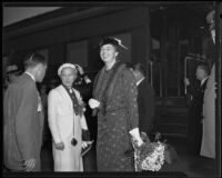 Eleanor Roosevelt with Mayris Chaney and a reporter at Central Station during a visit, Los Angeles, 1935