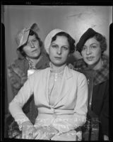Marie Rosier and Beth Cross accompany Mae Elizabeth Scrivens to court, Los Angeles, 1935