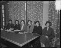Los Angeles Junior League members Elizabeth Duque, Mrs. Lionel Ogden, Eve Lee, Margaret Hawkins, Ida Hogan, and Nancy Schmoele hold a meeting, Los Angeles, 1935