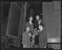 Yi-seng Kiang and Chang Kiang greet Alice Tang and Deson C. Sze, Los Angeles, 1935