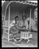 Melba Bennet and Isabella M. Garlick, Palm Springs, 1935