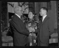 Clarence H. Matson greets Mr. and Mrs. Yi-Seng S. Kiang at the Jonathan Club, Los Angeles, 1935