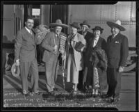 Charles B. Bayer, J. L. Pike, Edla Tegner Swinney, H. D. Churchill, Margaret Michel, and Walter J. Braunschweiger return from Mexico, Los Angeles, 1935