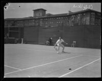 Cliff Herd plays at the Los Angeles Tennis Club, Los Angeles, ca. 1927