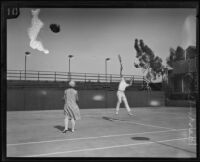 May Sutton Bundy and Cliff Herd at the Pacific Coast doubles tournament, Los Angeles, 1927