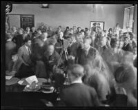 Crowd of people in a courtroom during the Hickman kidnapping case, Los Angeles, 1927-1928