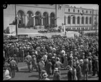Crowd gathered to her Herbert Hoover speak outside City Hall, Los Angeles, 1928