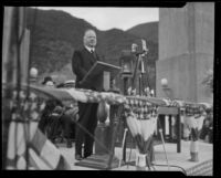 Herbert Hoover delivering speech at Morris Dam dedication, Pasadena, 1934