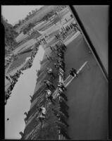 Spectators arriving at the Santa Anita Race Track, Arcadia, 1934-1939