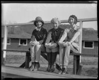 Rochelle Hudson, Violet Carpenter and De Vere West at a stable, Los Angeles, 1931