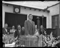 Author Rupert Hughes delivers address at event, Los Angeles, ca. 1929