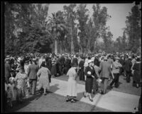Iowans gather for picnic at Lincoln Park, Los Angeles, 1933