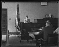 Donald Crawford testifying as defense witness for Carl I. Jacobson's trial, Los Angeles, 1927