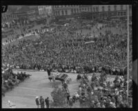 Crowds gather to watch the City Hall dedication ceremony, Los Angeles, 1928