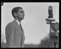 Irving Berlin sings at Los Angeles City Hall dedication, Los Angeles, 1928