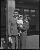 Professional Boxer Jack Dempsey with family on vacation, Los Angeles, 1935