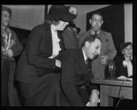 Marion and Buron Fitts at perjury trial, Los Angeles, 1936