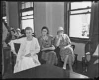 Burmah White, Lula Lane, and Violet Dillon in court, Los Angeles, 1933