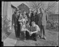 Coach Jerry Pelton and the Halliwell family from left to right, Florence, Wally, Bertha, Frank, Rupert, Ellis and Edwin, Los Angeles, 1936