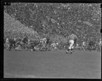 USC Trojans play against UCLA Bruins at Memorial Coliseum, Los Angeles, 1938