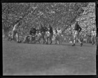 Football game between USC Trojans and Notre Dame Irish, Los Angeles, 1938