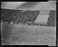 Football game between USC Trojans and Notre Dame Irish at the Coliseum, Los Angeles, 1938