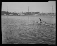 Bobby Pearce races for world championship title on Lake Ontario, Canada, 1933