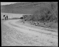 Unpaved road in a hillside area photographed in relation to the investigation of the murder of Alberta Meadows by Clara Phillips, 1922