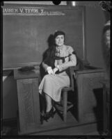 Daisy Florence Savoldi, wife of wrestler Joseph Savoldi, in court to obtain a divorce, Los Angeles, 1933