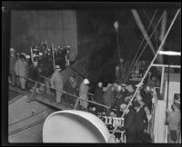 Harvard passengers boarding secondary ship, Southern California, 1931