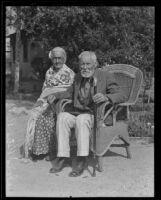 Petra and Francisco Rangel, married for 67 years and oldest residents of their city, San Gabriel, 1935