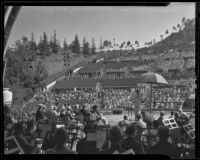 Upton Sinclair debating at the Hollywood Bowl, Los Angeles, 1925