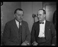 Police Captain E. Raymond Cato and Detective Harry Raymond during the Hickman kidnap and murder trial, Los Angeles, 1928