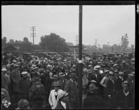 Crowd awaiting the train carrying William Edward Hickman, kidnapper and murderer, Glendale, 1927