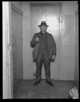 Oregon prison guard in charge of securing William Edward Hickman, kidnapper and murderer, Umatilla County Jail, Pendleton, 1927