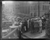 Crowds near the Courthouse during the Hickman kidnapping and murder trial, Los Angeles, 1927 or 28