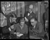 Welby Hunt, murderer of C. Ivy Toms, with George Contreras and handwritting experts, Los Angeles, 1928