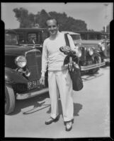 Al Jolson with golf clubs, 1933-1939