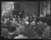 Judge Joe Crail introducing Governor Friend Richardson at the annual midsummer Iowa Picnic in Bixby Park, Long Beach, 1926